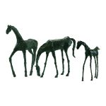Grazing Horse Sculpture 00432