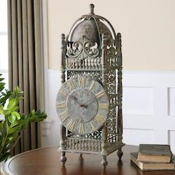 Yaxha Aged Table Clock