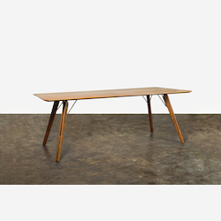 Nuevo Theo Dining Table